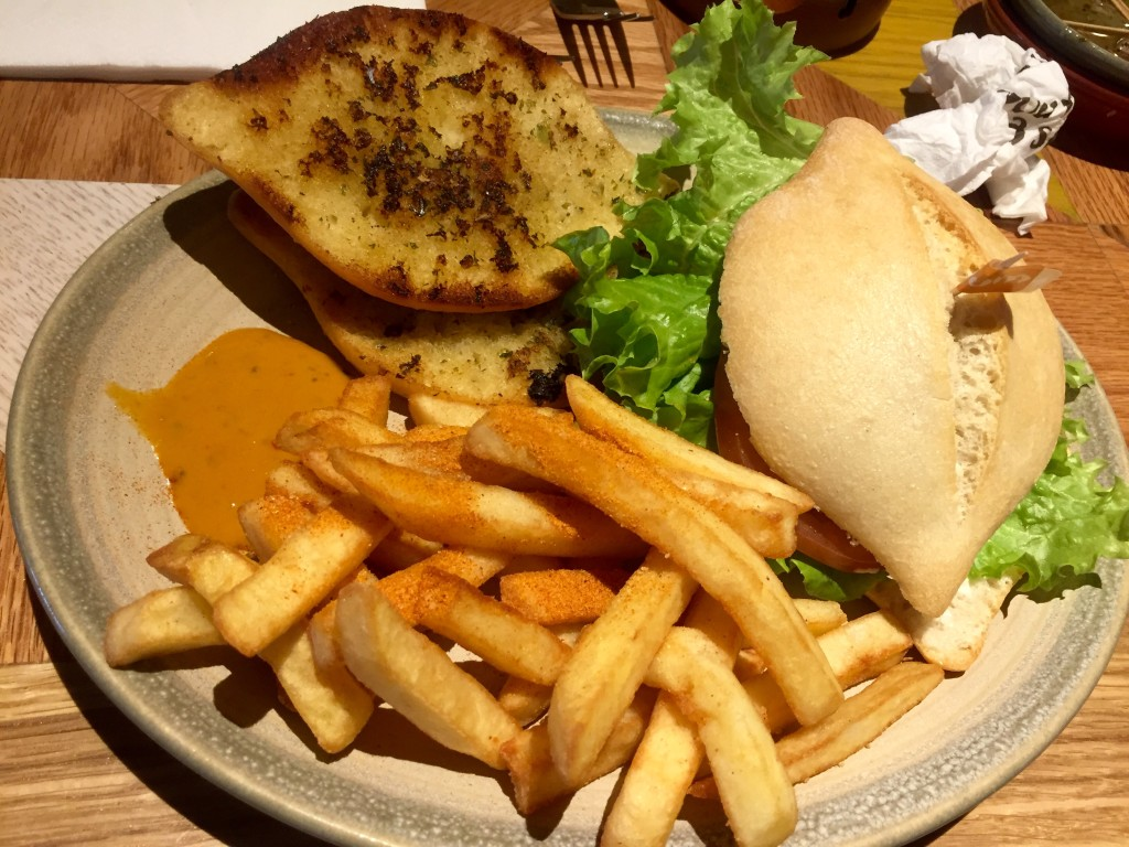 nandos-chicken-burger